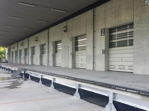 工場メンテナンス プラットホーム