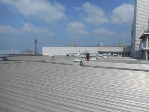 工場メンテナンス 屋根カバー工法