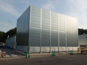 工場メンテナンス 防音壁