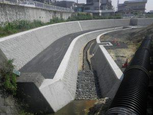 土木工事 ブロック積水路